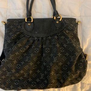 Louis Vuitton Neo Cabby Handbag